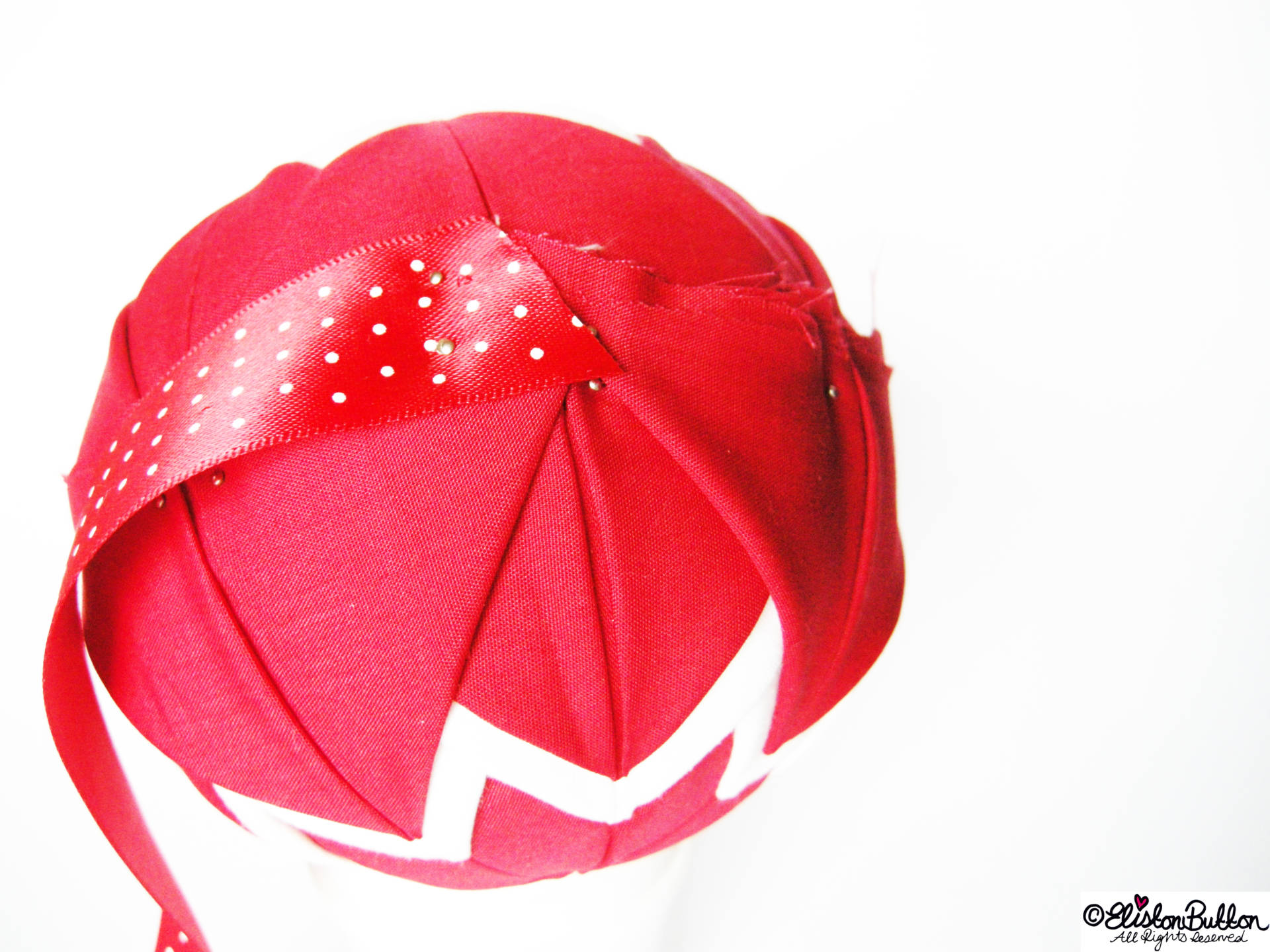 Holding the Ribbon with Pins - Quilted Christmas Baubles - A Tutorial at www.elistonbutton.com - Eliston Button - That Crafty Kid – Art, Design, Craft & Adventure.
