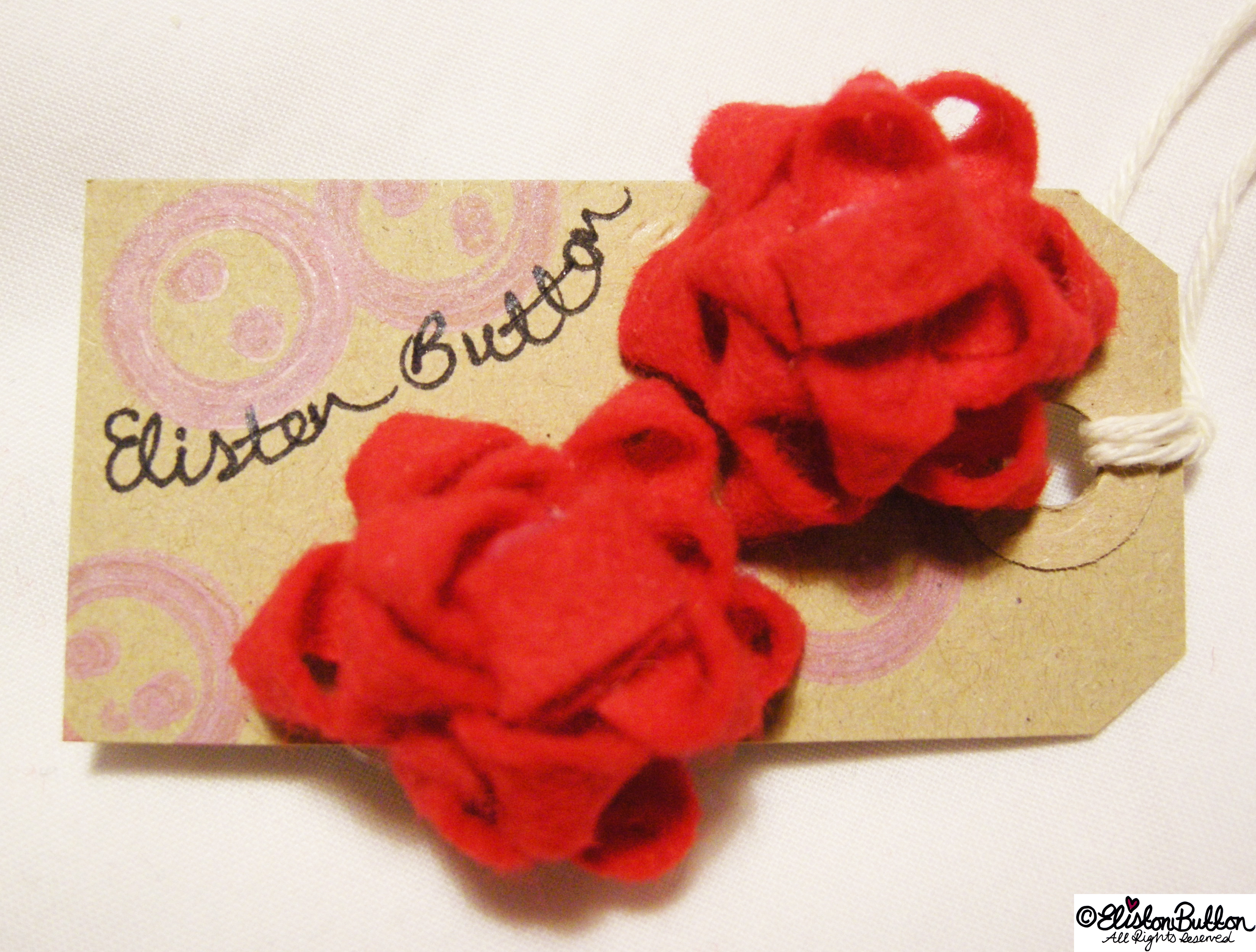 Handmade Felt Gift Bow Earrings - Handmade Christmas Round Up at www.elistonbutton.com - Eliston Button - That Crafty Kid – Art, Design, Craft & Adventure.