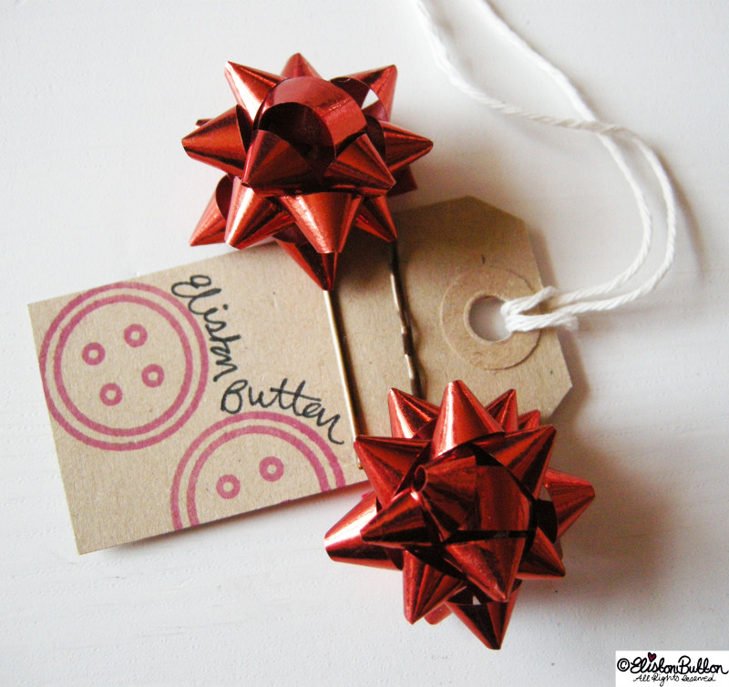 Gift Bow Bobby Pin Hair Grips - Handmade Christmas Round Up at www.elistonbutton.com - Eliston Button - That Crafty Kid – Art, Design, Craft & Adventure.