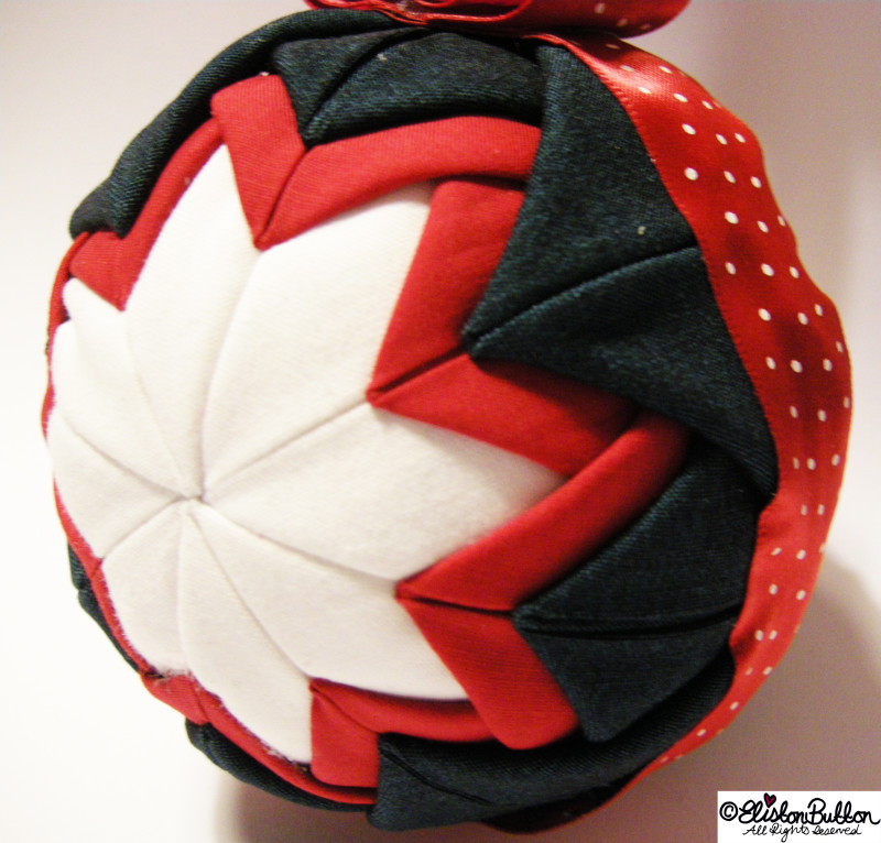 Teal, Red and White Quilted Bauble - Quilted Christmas Baubles - A Tutorial at www.elistonbutton.com - Eliston Button - That Crafty Kid – Art, Design, Craft & Adventure.