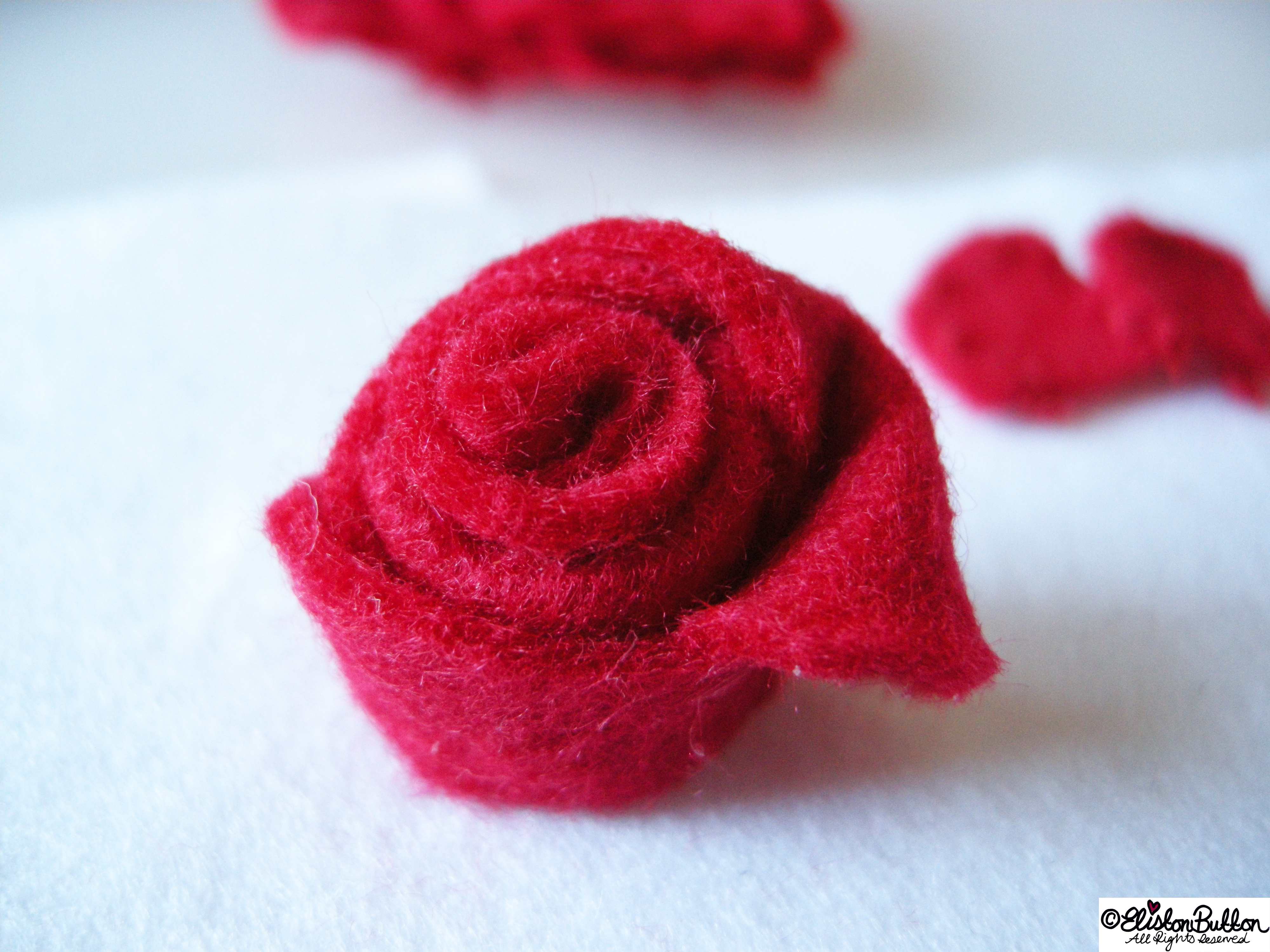 Embroidered Felt Rose Flower - Felt Centrepiece - 27 Before 27 - Roses are Red at www.elistonbutton.com - Eliston Button - That Crafty Kid – Art, Design, Craft & Adventure.