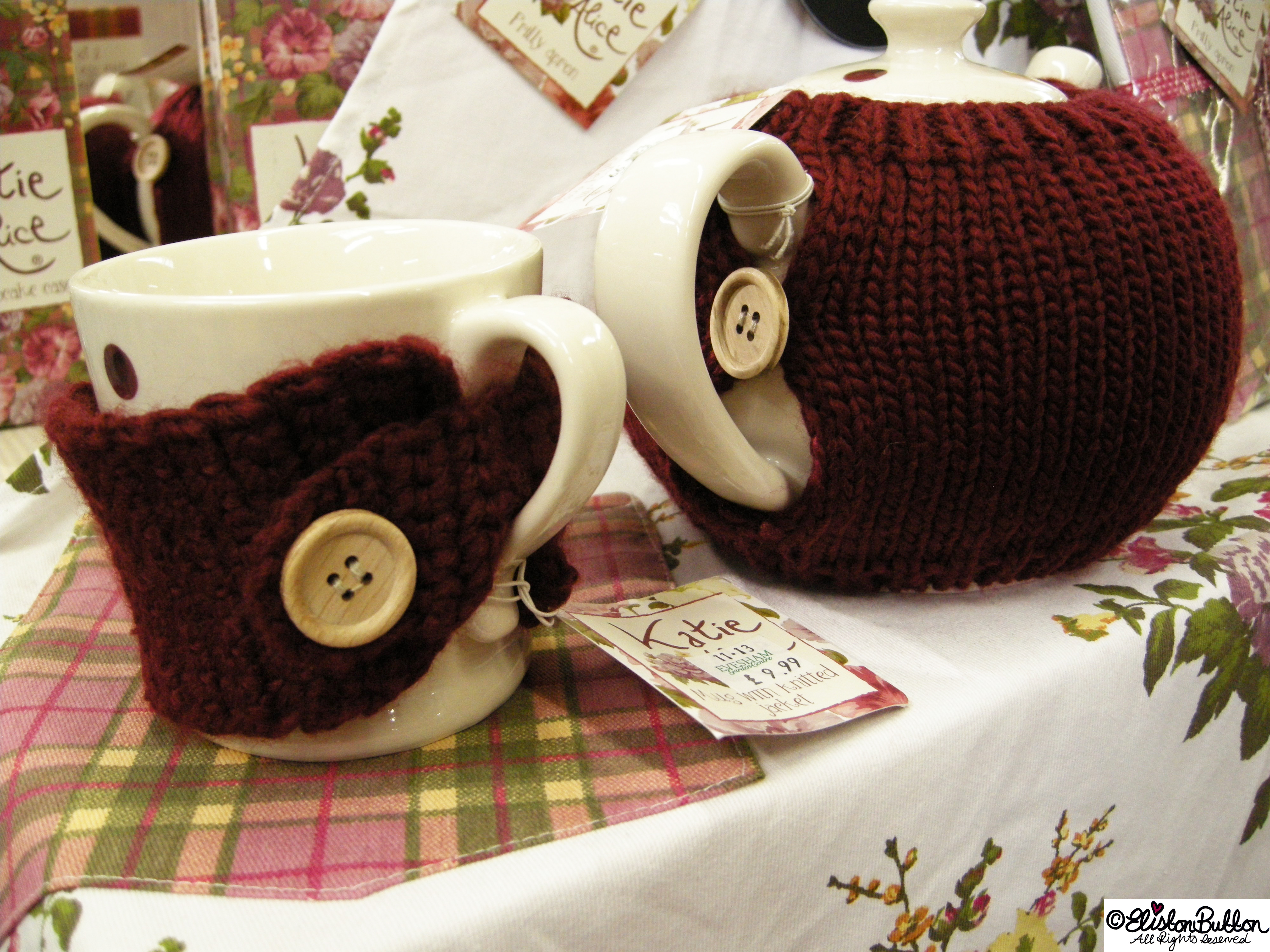 Little Knitted Mug and Teapot Cosies - A Tourist in my Hometown at www.elistonbutton.com - Eliston Button - That Crafty Kid – Art, Design, Craft & Adventure.