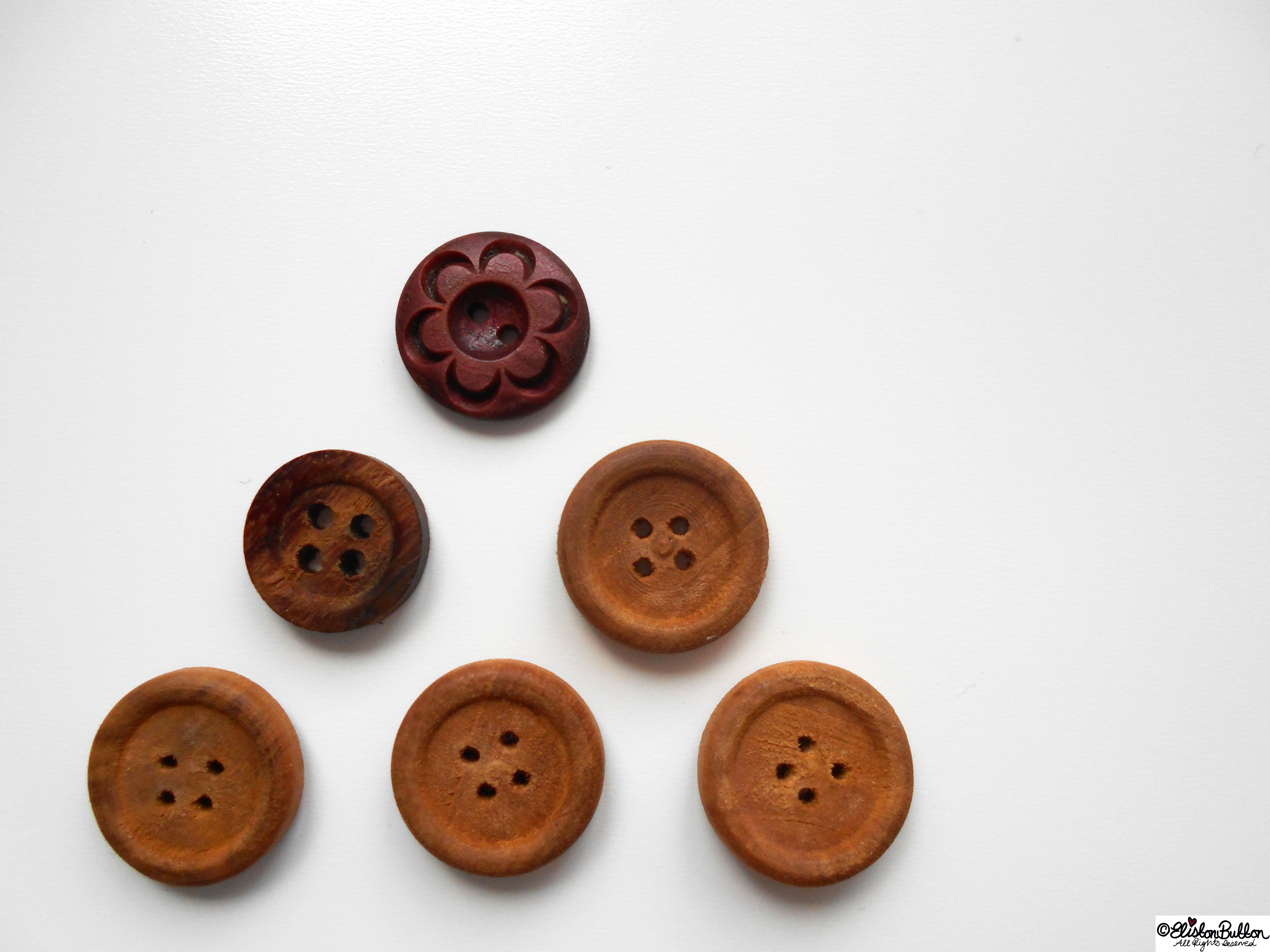 Wooden Buttons - Gifts from France at www.elistonbutton.com - Eliston Button - That Crafty Kid – Art, Design, Craft & Adventure.