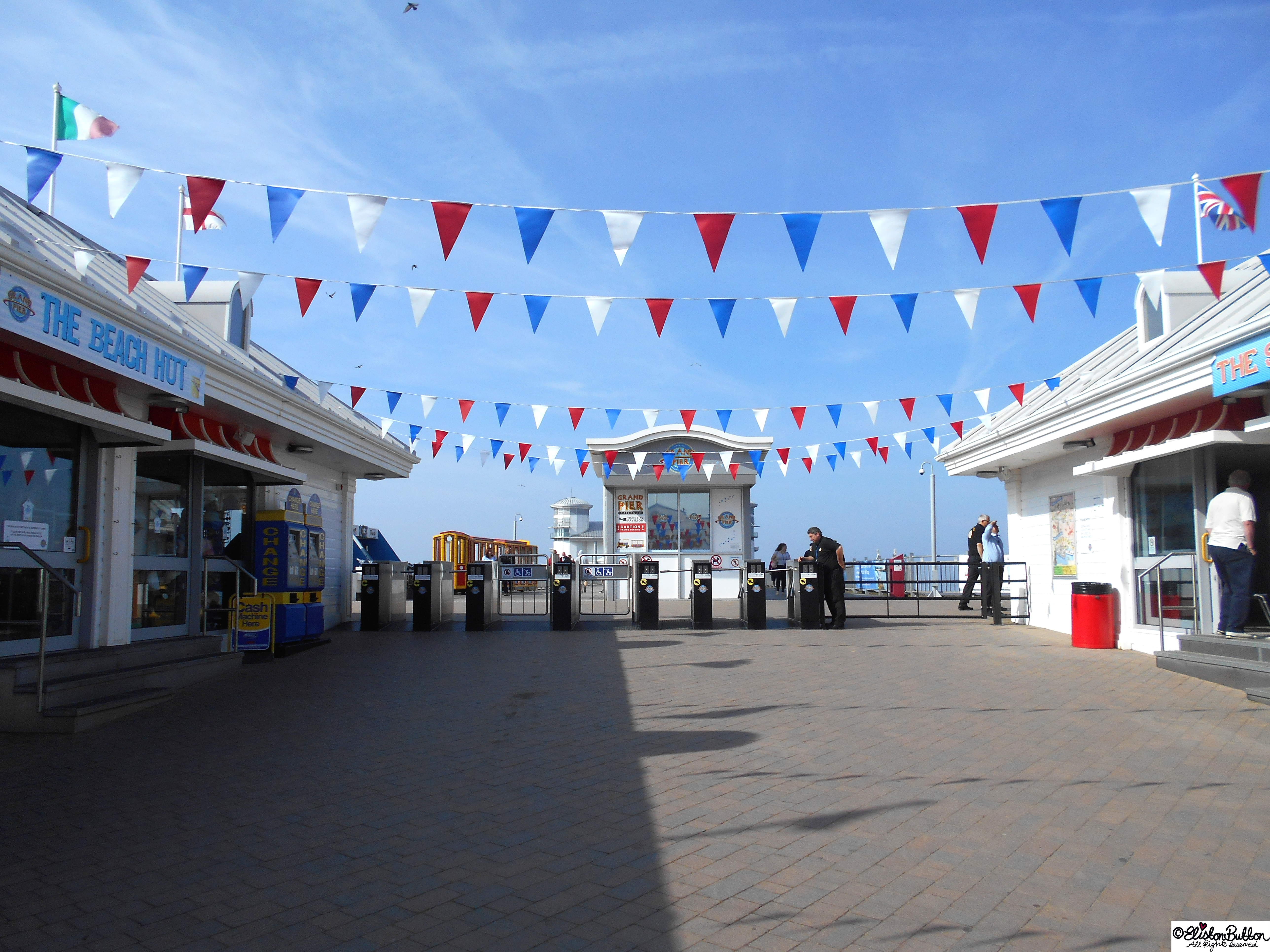 Seaside Pier Bunting - The Great British Seaside (and an Eliston Button Autumn Sale) at www.elistonbutton.com - Eliston Button - That Crafty Kid – Art, Design, Craft & Adventure.