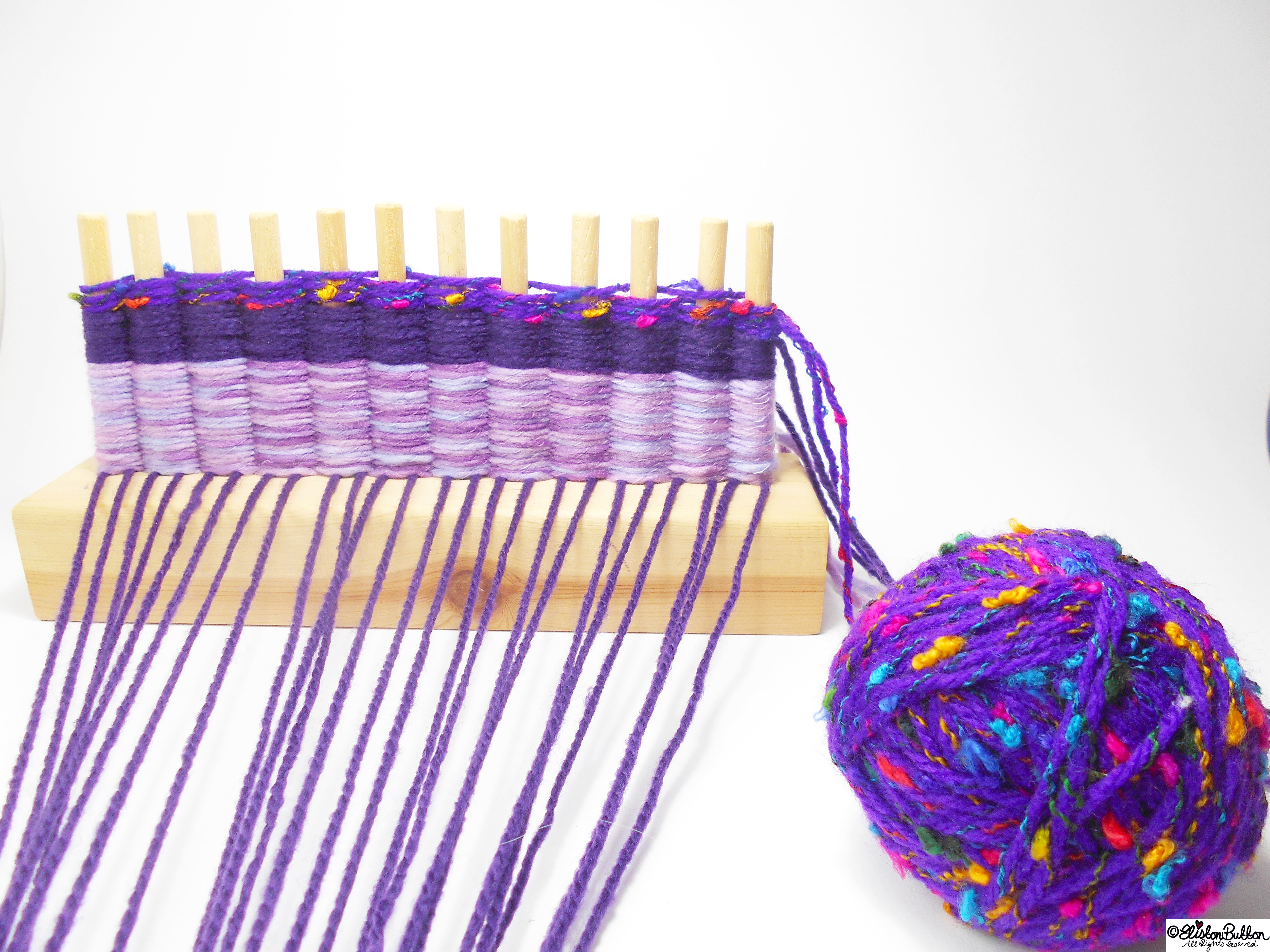 Adding Another Colour to the Weaving - Tutorial Tuesday - Peg Loom Weaving - Part One at www.elistonbutton.com - Eliston Button - That Crafty Kid – Art, Design, Craft & Adventure.