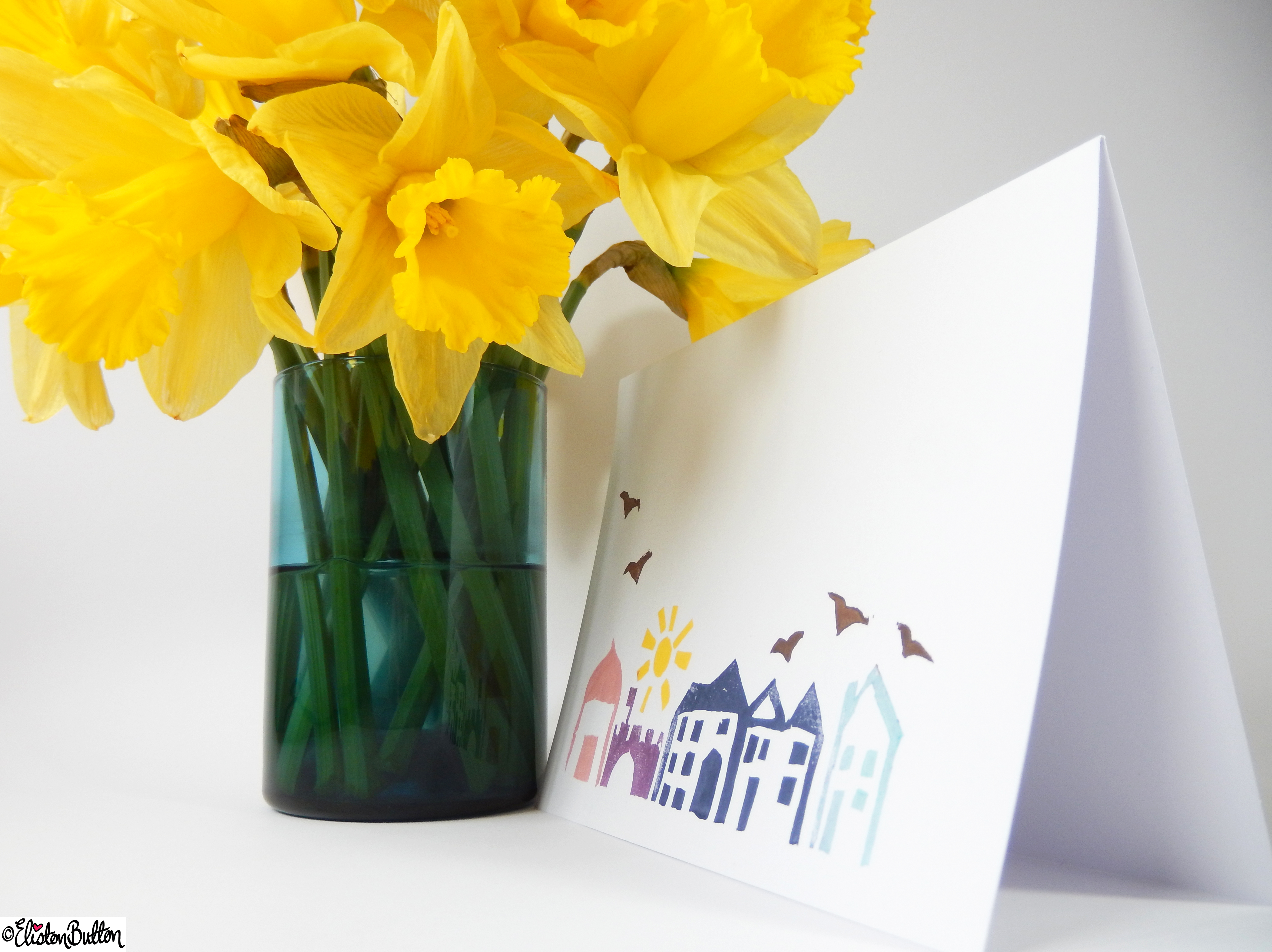 Hand Printed Streetscape Cards - Side view with Daffodils - Create 28 - No. 13 - Hand Printed Streetscape Cards at www.elistonbutton.com - Eliston Button - That Crafty Kid – Art, Design, Craft & Adventure.