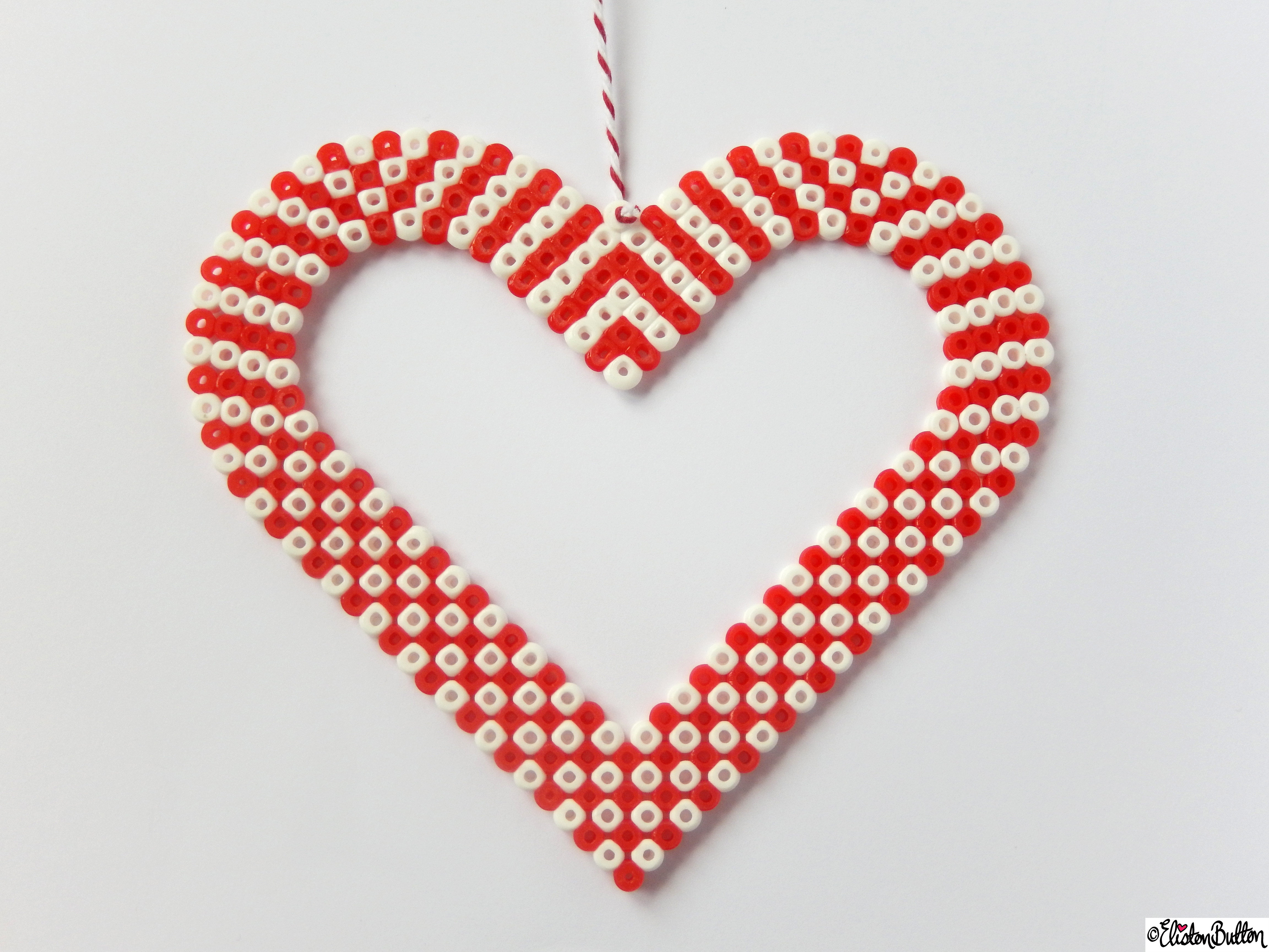Picture Bead Wall Hanging Large Heart Close Up - Create 28 - No. 11&12 - Picture Bead Wall Hangings at www.elistonbutton.com - Eliston Button - That Crafty Kid – Art, Design, Craft & Adventure.
