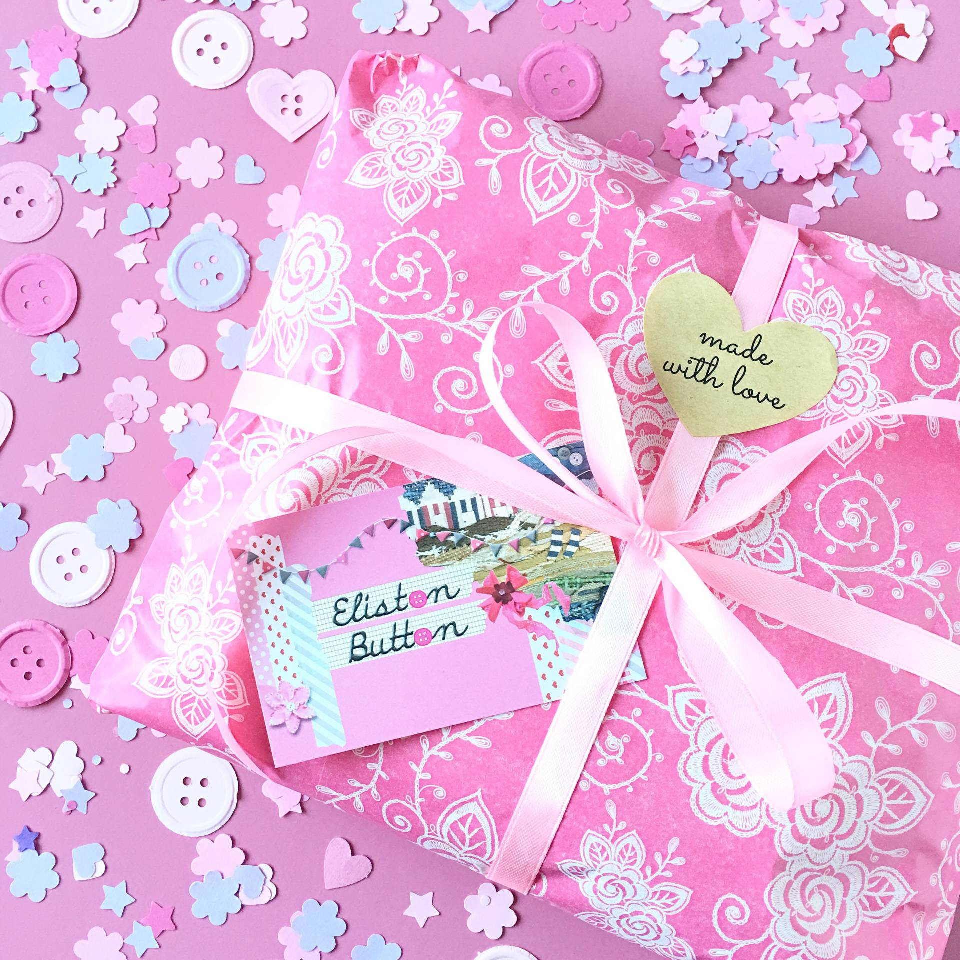 Day Six - Sell Yourself for Meet the Maker Week - Pretty Packaging all Tied in a Bow with Button Confetti - Eliston Button Etsy Shop - Meet the Maker Week at www.elistonbutton.com - Eliston Button - That Crafty Kid – Art, Design, Craft & Adventure.