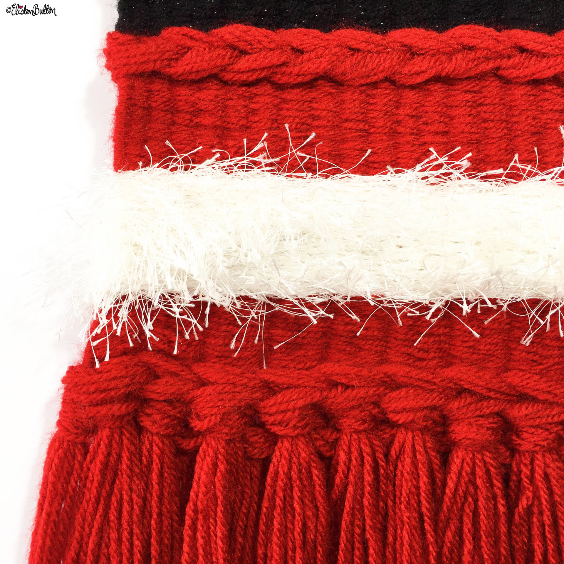 A Festive Santa Inspired Woven Wall Hanging by Eliston Button - For the Love of…Christmas at www.elistonbutton.com - Eliston Button - That Crafty Kid – Art, Design, Craft & Adventure.