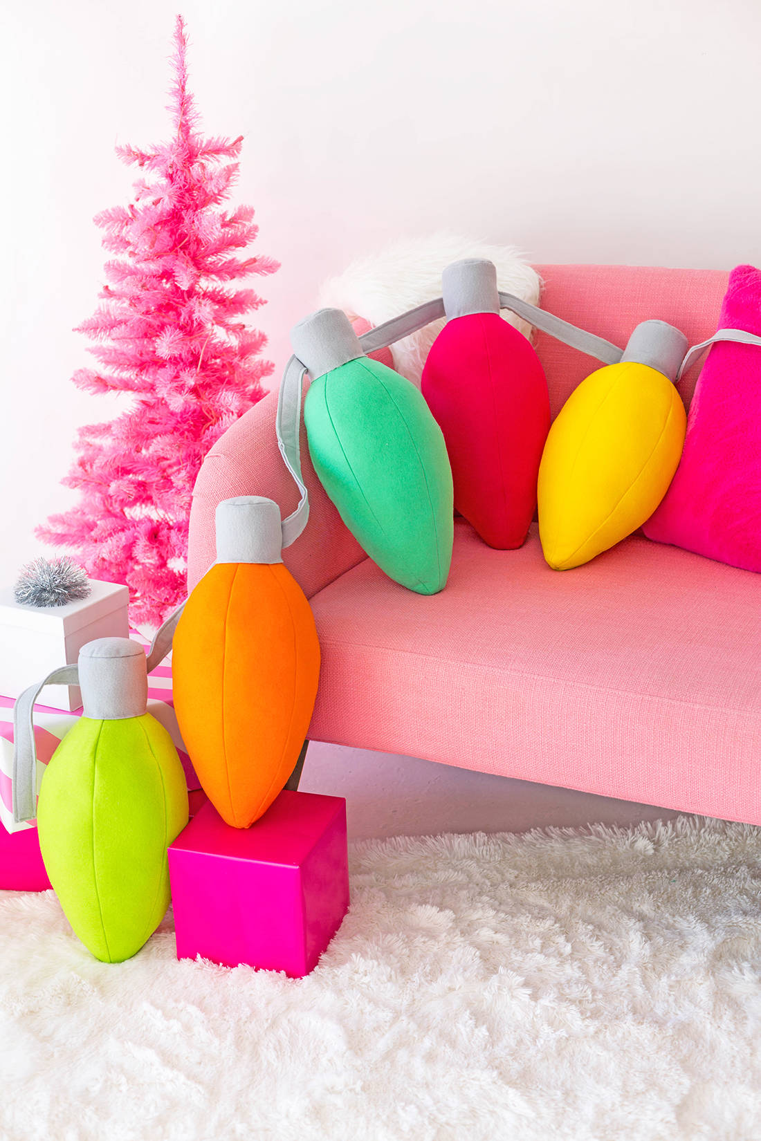 D.I.Y Holiday Light Pillows by Aww Sam Blog - For the Love of…Christmas at www.elistonbutton.com - Eliston Button - That Crafty Kid – Art, Design, Craft & Adventure.