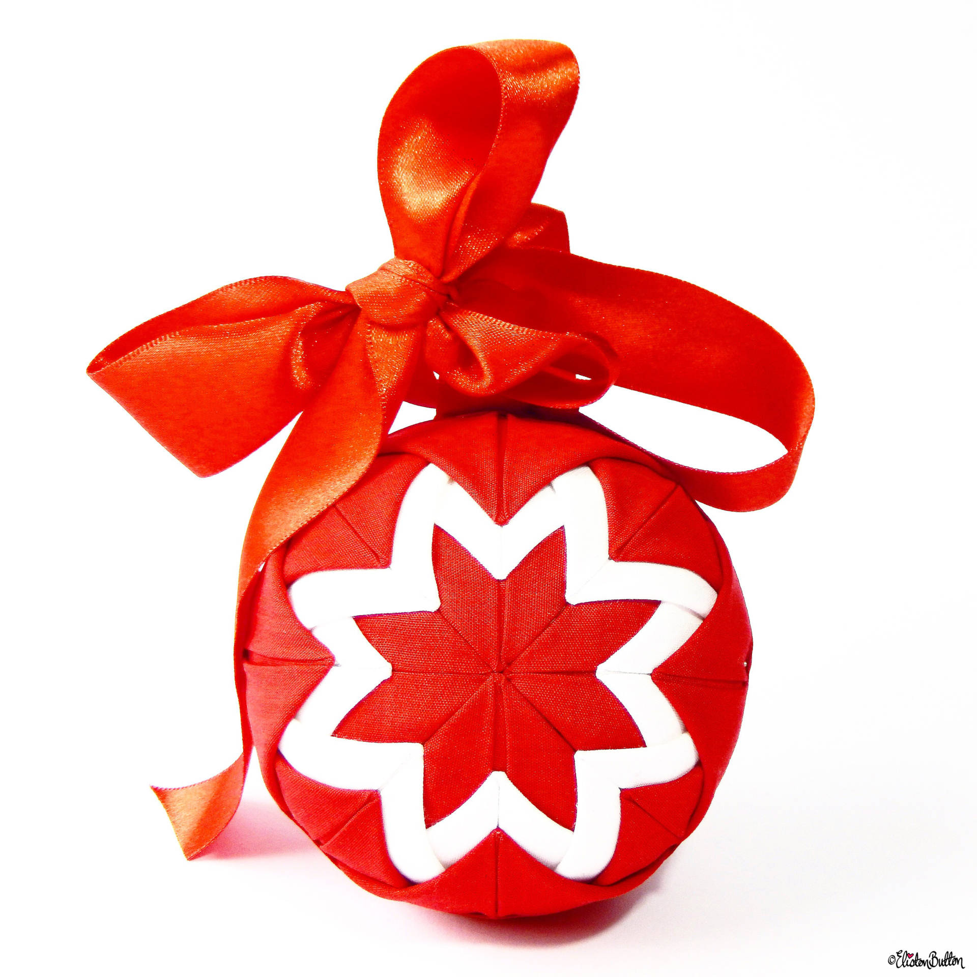 Red and White Quilted Christmas Bauble by Eliston Button - For the Love of…Christmas at www.elistonbutton.com - Eliston Button - That Crafty Kid – Art, Design, Craft & Adventure.